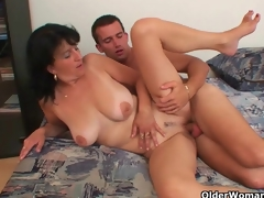 Mommy wants your cum on her large billibongs