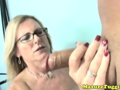 Cook jerking loving milf with spex tugs pecker
