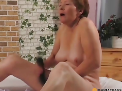Woman picking her cum-hole